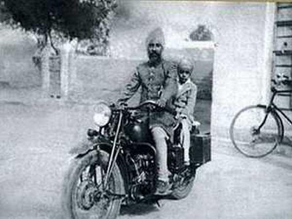 Jagjit Singh And Family Ghazal King Jagjit Singh Born