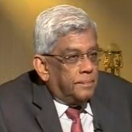 Govt's 7-7.5% growth target over ambitious: Deepak Parekh