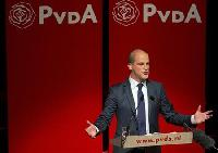 Pro-euro parties sweep Dutch poll, Rutte ahead
