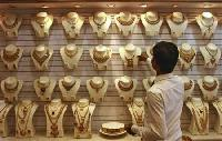 Indian gold buying lacklustre; festival eyed
