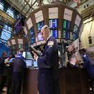 Wall St slips on China GDP, Spanish yields; Dow down 137pts