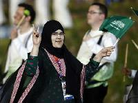Saudi's first woman bows out after symbolic show