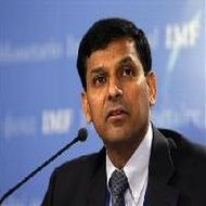 Economy likely to grow by 5.5-6% in 2012-13: Raghuram Rajan