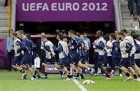 Euro-Old foes Germany and Italy spar for Spain final