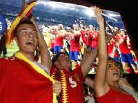 Spain basks in soccer glory despite ailing economy