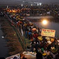 17 killed in stampede at Chhath Puja in Patna