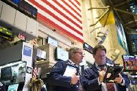 Wall Street edges lower in thin trade