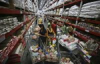 How Wal-Mart got a foot in the door of India's retail mkt