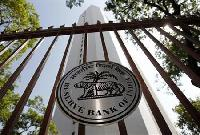 RBI tightens rules on banks' large-value deposits