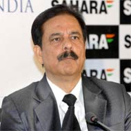 SEBI freezes over 100 bank accounts of 2 Sahara cos: Source