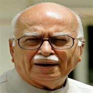 Advani warns of agitation if Kashmir integration reversed
