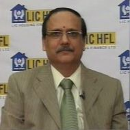 VK Sharma, Dir & CEO, LIC Housing Fin