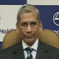 RBI will not be able to kick start the economy: Deosthalee