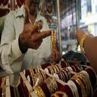 Gold on record-breaking spree, hits fresh high at Rs 30,570