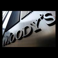 Moody's downgrades Italian banks, outlook negative